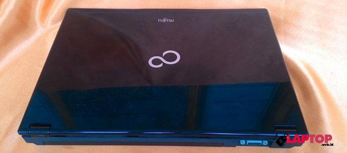 Fujitsu LifeBook SH760 - www.tokopedia.com